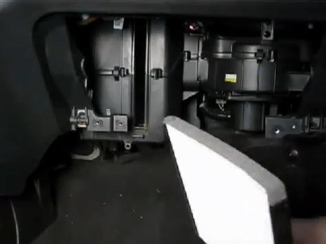 Шевроле авео замена салонного фильтра своими руками 40